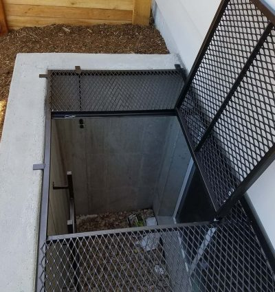 Large Grate with trap door2